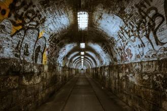 tunnel-237656_1920